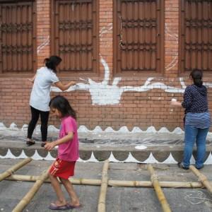 足場は子どもにとって、楽しい遊び道具